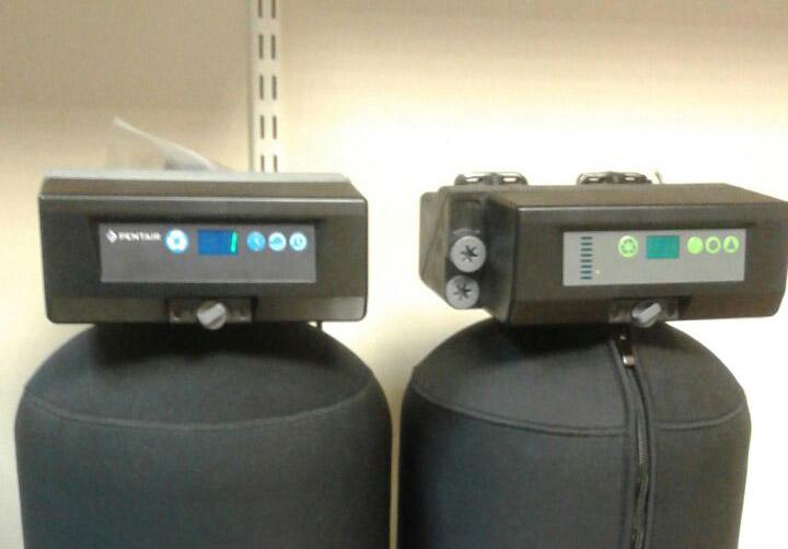 клапаны управления Pentair 363 и 368(справа)